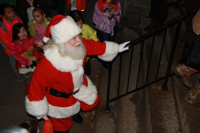 Holiday Parade, Santa & Tree Lighting Saturday – East Greenwich News